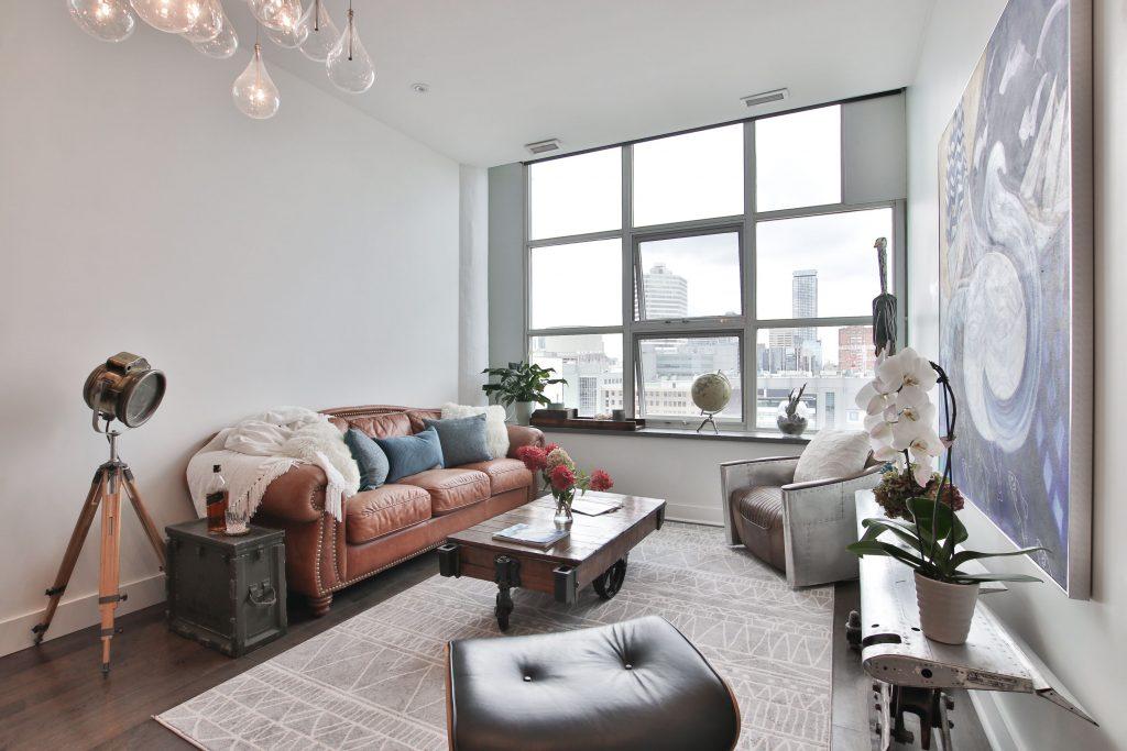 classic family room - condo renovation markham