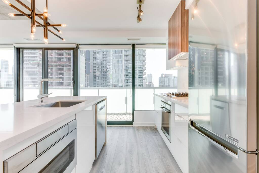 luxury condo kitchen renovation company