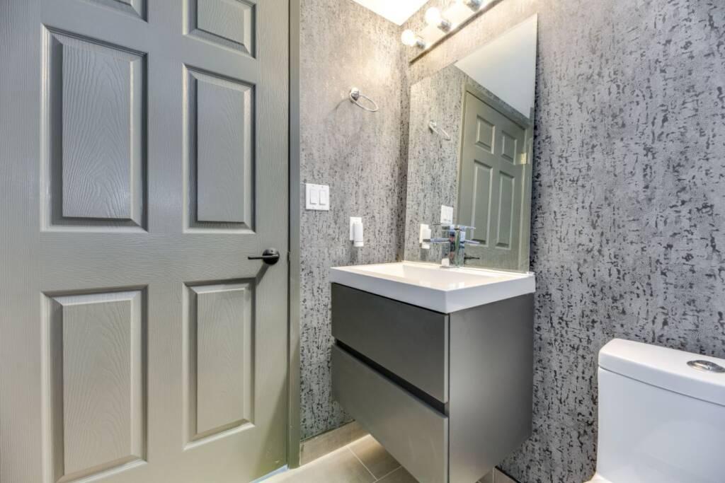 condo bathroom renovations toronto